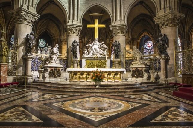 سرنوشت گنجینههای کلیسای نتردام چه شد؟