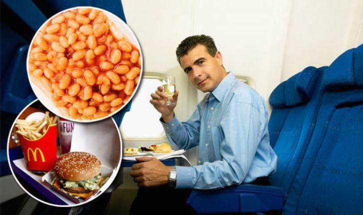 8 غذایی که هرگز نباید قبل از پرواز میل کنید