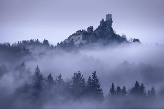 عکاسی که سرزمین وینترفل واقعی را روی زمین ثبت کرده است