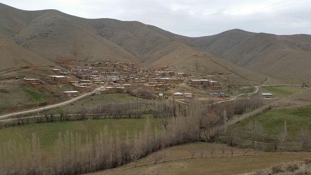 Pir Khezran Village