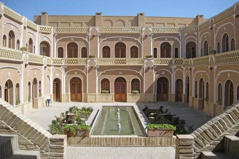 خانه تاریخی رسولیان، دانشگاهی قاجاری در یزد