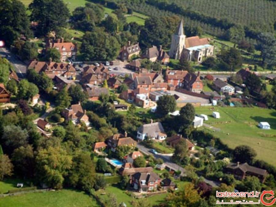 روستای پلاکلی، انگلستان