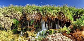 آبشار فدامی شاهکار خلقت در دل بیابان