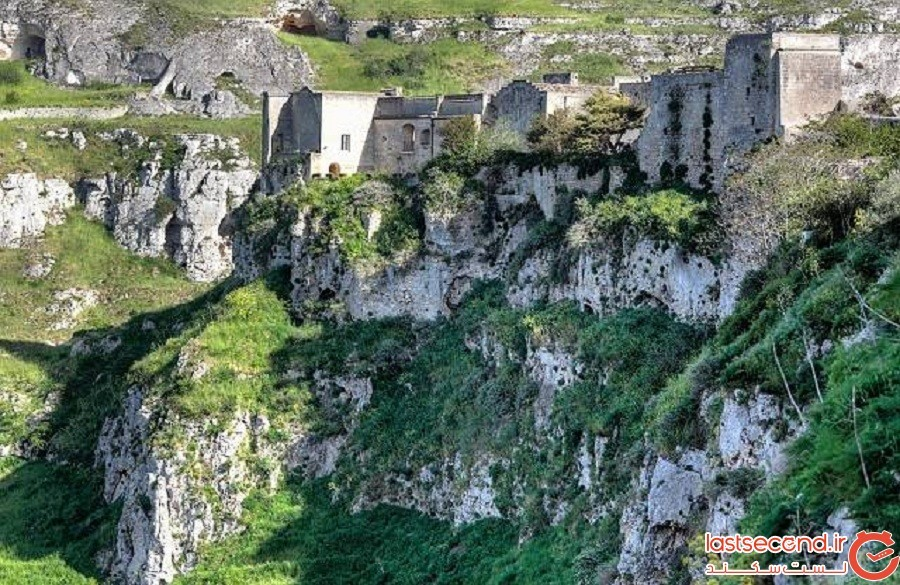 این خانههای غار مانند ایتالیایی هماکنون 9000 ساله هستند اما هنوز افرادی در آن زندگی میکنند.