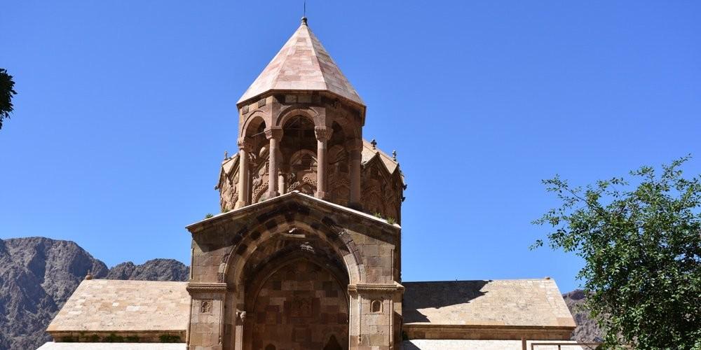 تور ارسباران قلعه بابک جلفا کلیبر