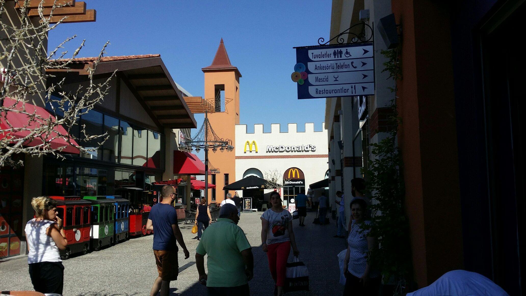 Novada Outlet (3).jpg