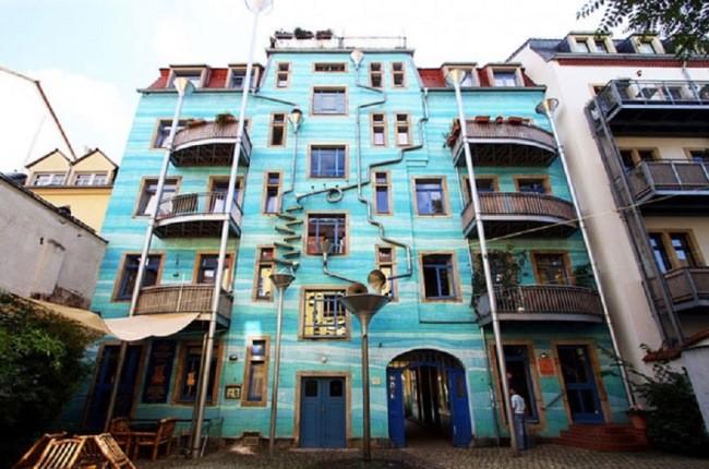 ساختمانی در آلمان که دیوارهایش هنگام طوفان موسیقی مینوازند