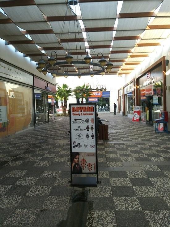 Novada Outlet (1).jpg