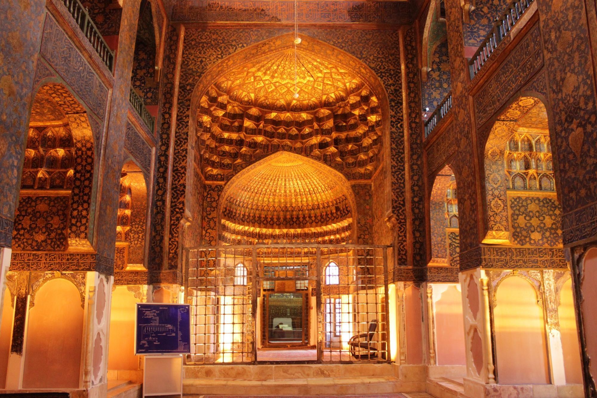 sheikh-safi-al-din-khanegah (2).jpg