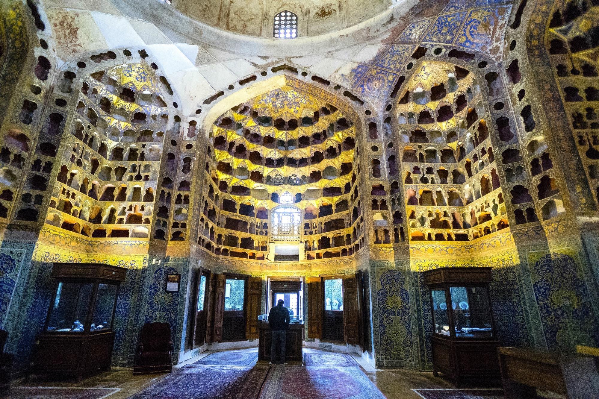 sheikh-safi-al-din-khanegah.jpg
