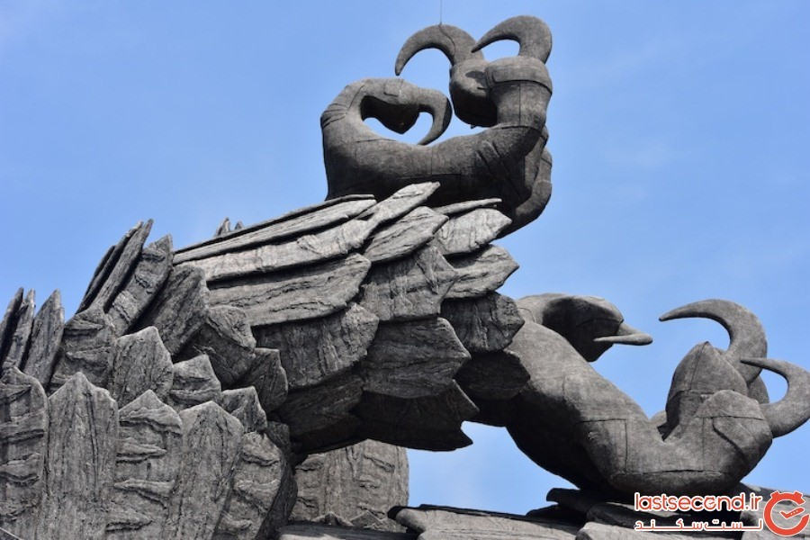 بزرگترین مجسمه پرنده جهان، که ساخت آن ۱۰ سال زمان برده است