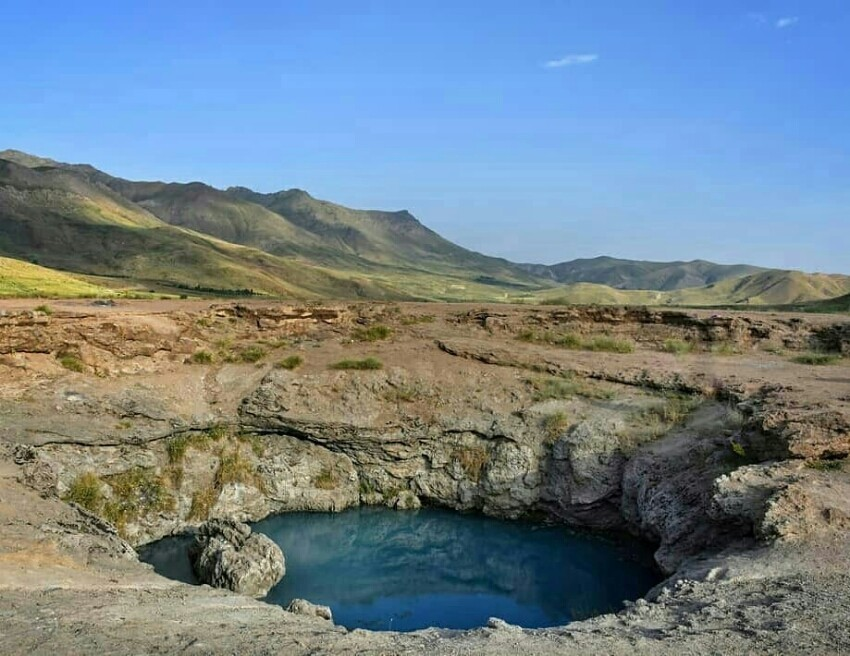 Qaynarja Hot Water