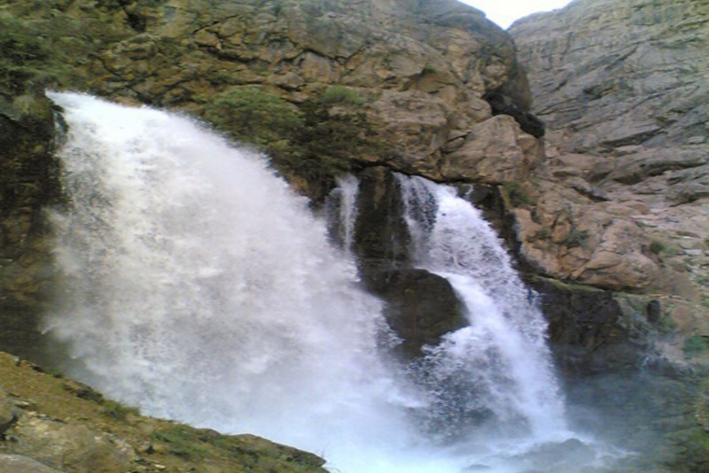 Chekan Waterfall (4).jpg