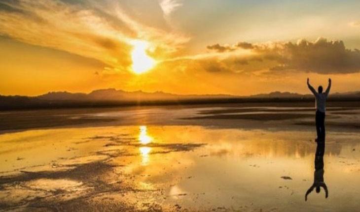 دریاچه مخرگه، آینه طبیعی ایران در شهر بابک کرمان