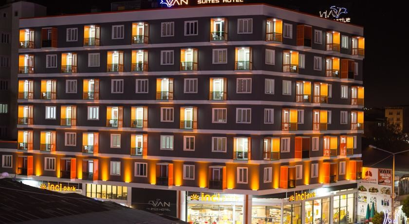 هتل وان سوئیتز اوتل