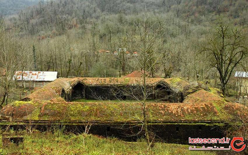 کاروانسرای تی تی، جاذبه چند قرن سیاهکل