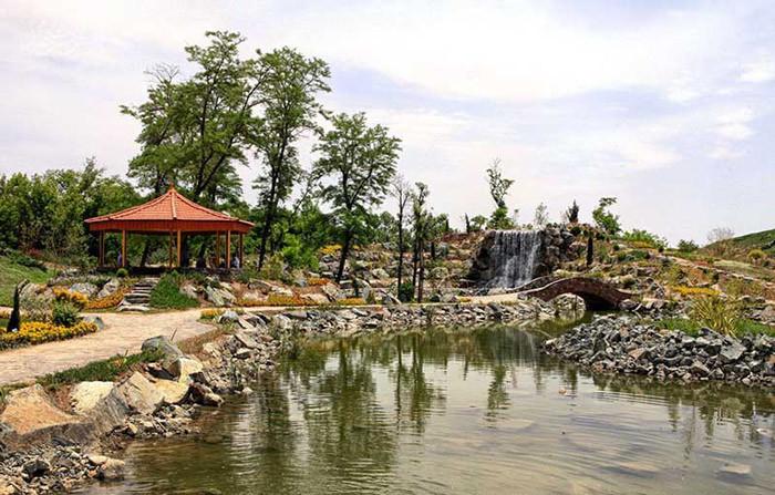 Mashhad Botanical Garden (1).jpg