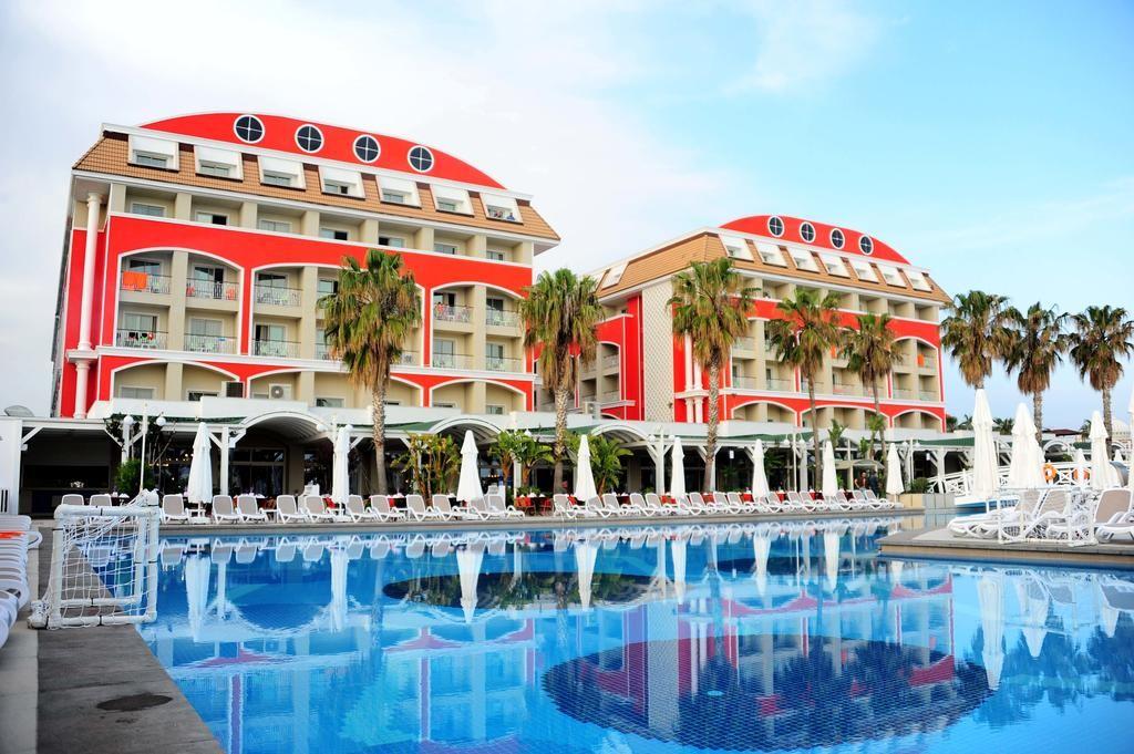 هتل اورنج کانتی ریزورت بلک