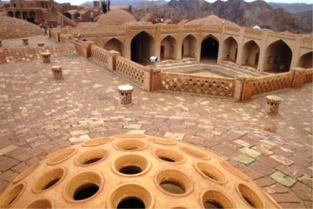 Kharanaq Caravanserai (4).jpg