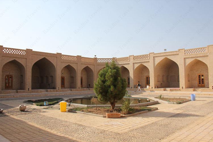 Kharanaq Caravanserai (5).jpg