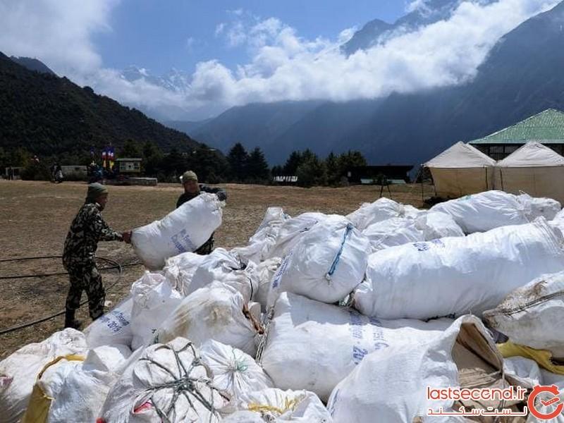 قتل عام کوهنوردان در اورست ادامه دارد