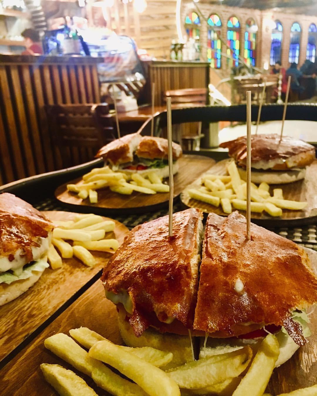 Dorehami Restaurant (2).jpg
