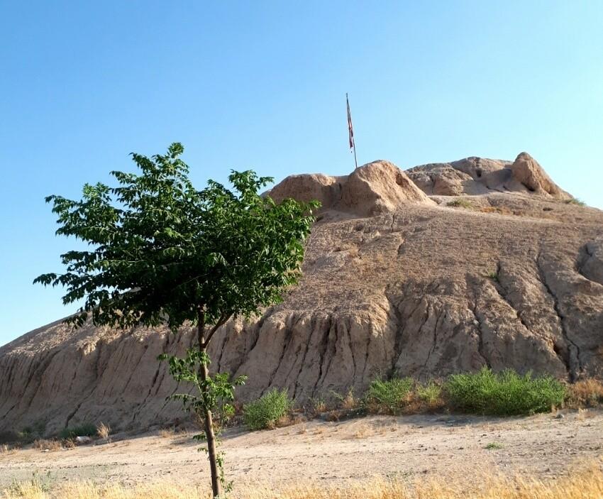 Deh Hasan Hill