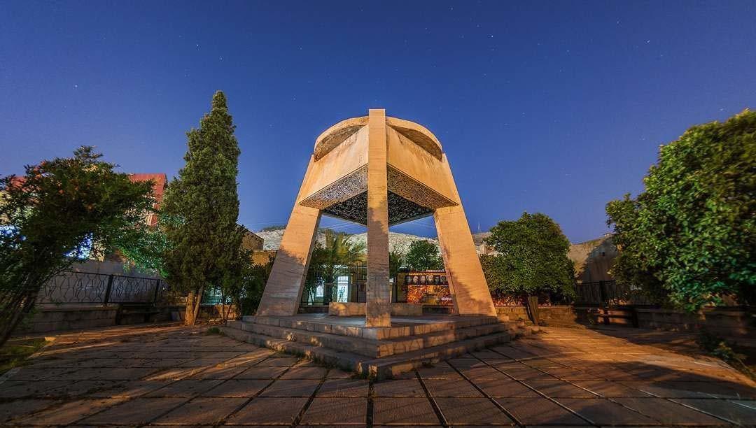 Tomb of Shah Shoja Mozafari (5).jpg