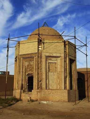 Khajeh Atabak Tomb (1).jpg