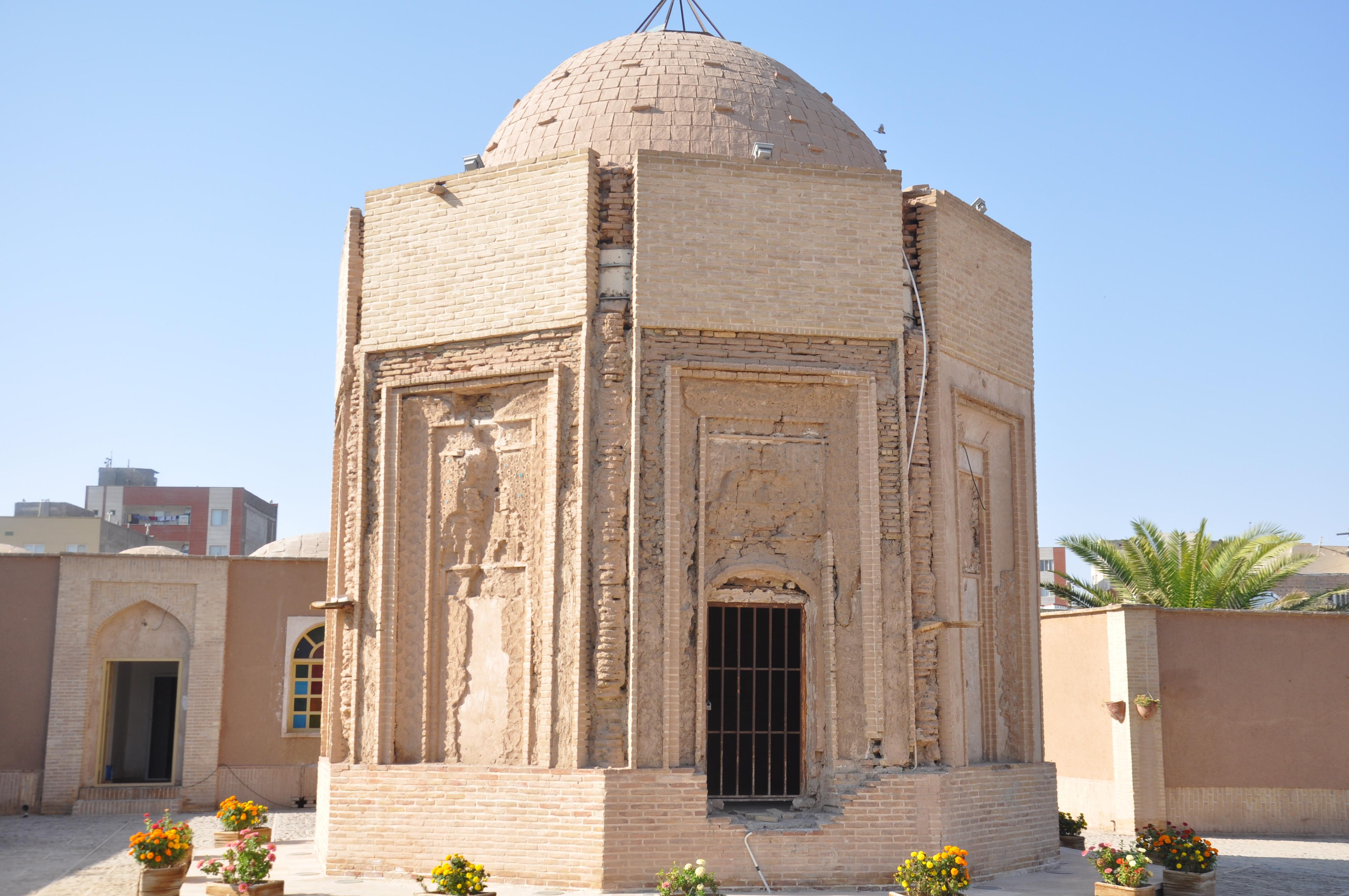 Khajeh Atabak Tomb (2).jpg