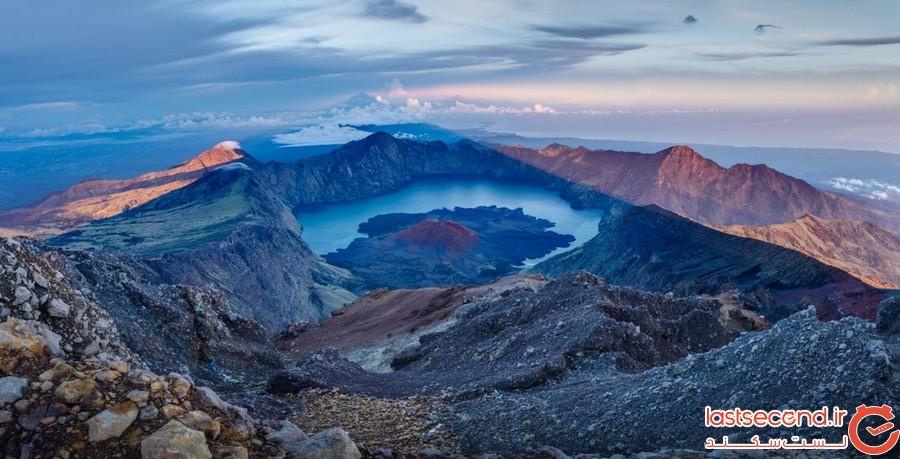 کوه رینجانی در اندونزی