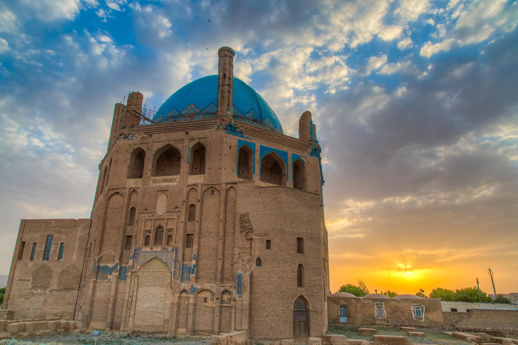 تور زنجان تخت سلیمان سلطانیه