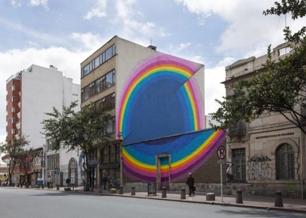 هنرمند اهل چک، دیوارهای خیابان را رنگین کمانی کرده است