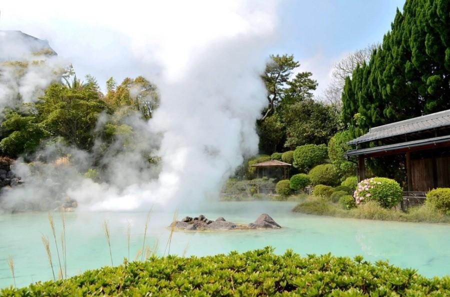 بهترین حمامهای آب گرم طبیعی در جهان، حتی در فصل تابستان!