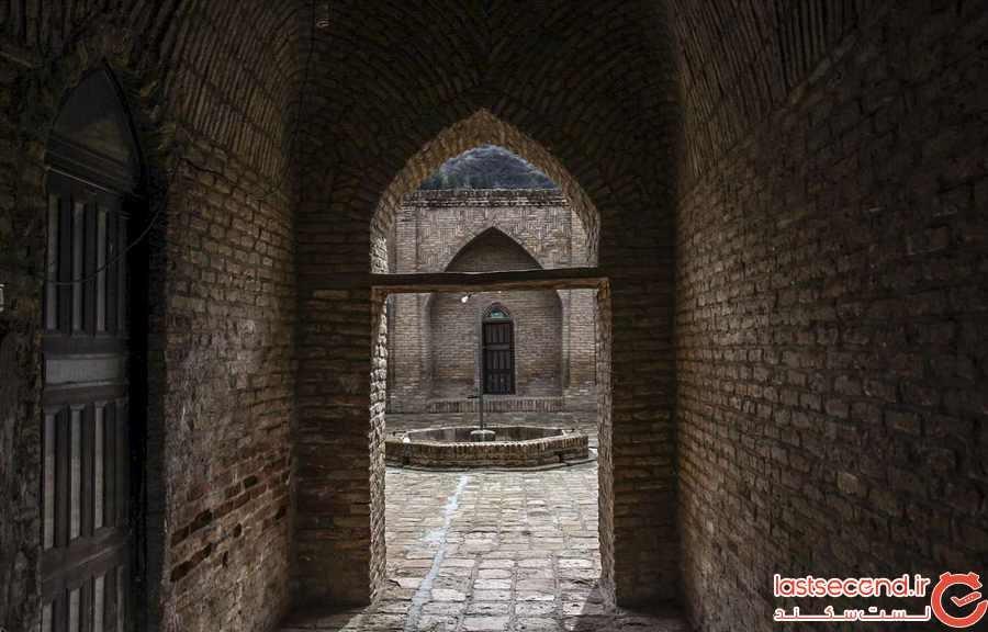 مدرسه و مسجد کریم ایشان