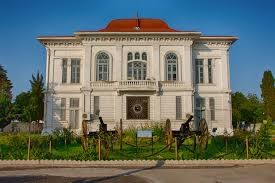 Shaah Palace (2).jpg