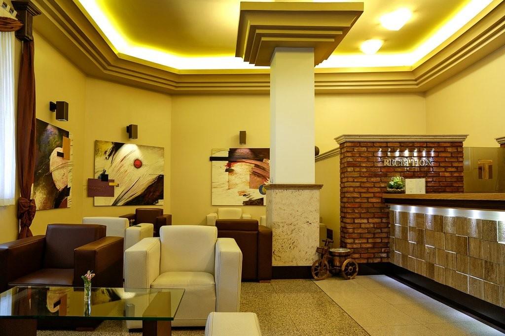 Eskan Forsat Hotel (2).jpg