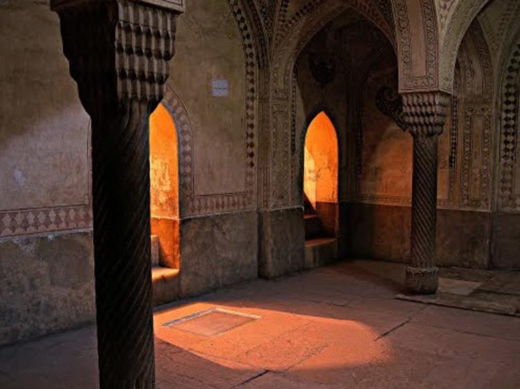 Karim Khan Arg Bath (1).jpg