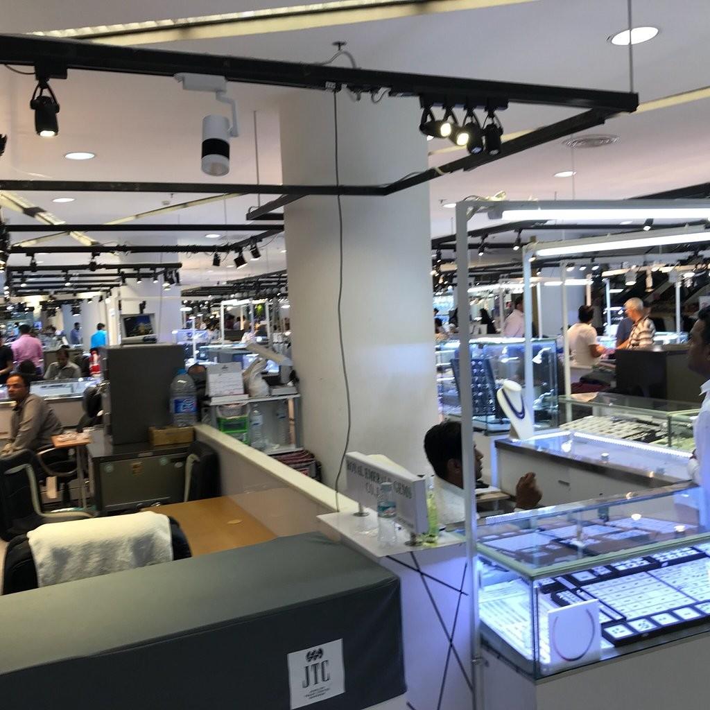 Bangkok Fashion Outlet (6).jpg