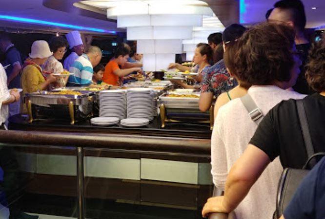 Chao Phraya Dinner Cruise Restaurant (5).JPG