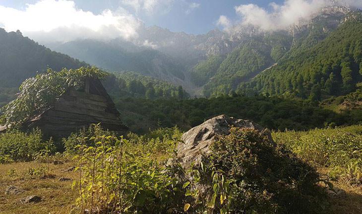 برنت، روستای سه هزار ساله پل سفید در طبیعت سبز مازندران