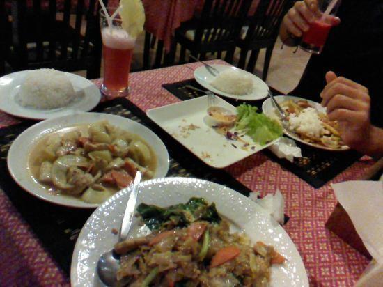 Tom Yam Restaurant (3).jpg