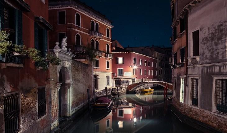 گزارش تصویری از زیباییهای آرام و بیصدای ونیز در شب