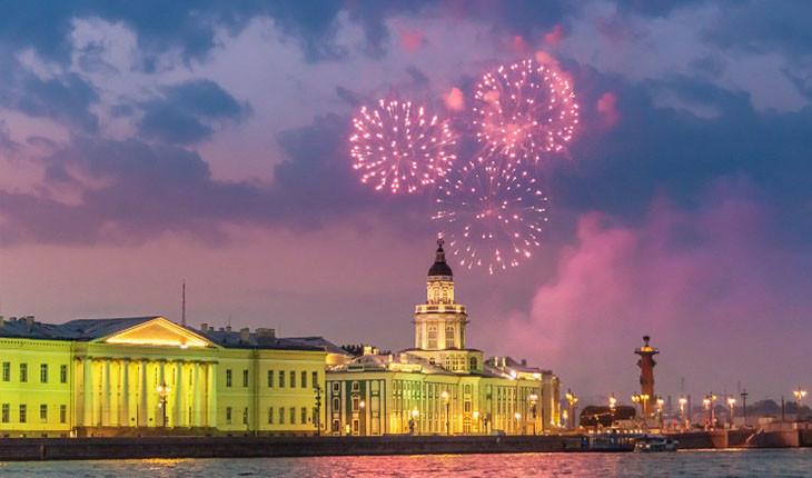 پدیده شب های سفید روسیه در چه بازه زمانی رخ می دهند؟