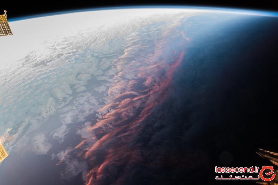 یک فضانورد، تصاویری باورنکردنی گرفته که نشان میدهد غروب خورشید، از فضا چه شکلی است