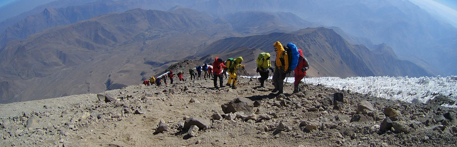 تور صعود قله دماوند