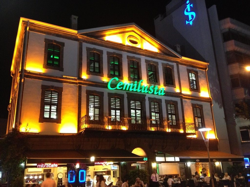 Cemilusta Restaurant