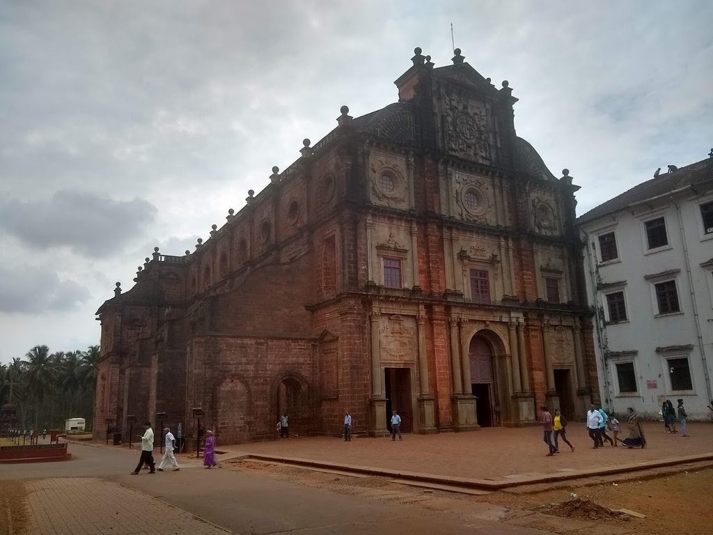 Basilica of Bom Jesus (4).jpg