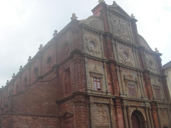 Basilica of Bom Jesus (6).jpg