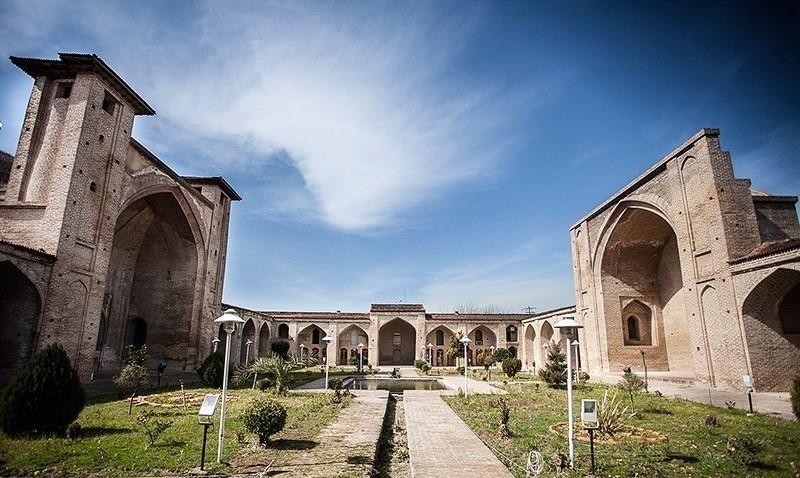 Shah Abbasi Mosque (1).jpg